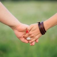 Картинка за руки вместе